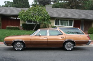 Oldsmobile-Vista-Cruiser-07